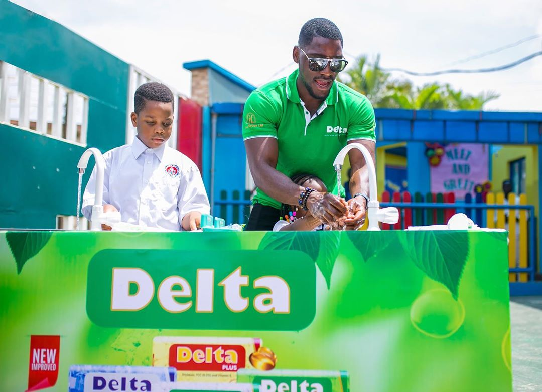 """CLEAN HANDS SAVE LIVES ⠀⠀⠀⠀⠀⠀⠀⠀⠀⠀⠀⠀⠀⠀⠀⠀⠀⠀⠀⠀⠀⠀⠀⠀ ⠀⠀⠀⠀⠀⠀⠀⠀⠀⠀⠀⠀ ⠀⠀⠀⠀⠀⠀⠀⠀⠀⠀⠀⠀ October 15th is the Global Handwashing day, a reminder of the importance of Handwashing in the prevention of diseases and in helping children grow strong. ⠀⠀⠀⠀⠀⠀⠀⠀⠀⠀⠀⠀⠀⠀⠀⠀⠀⠀⠀⠀⠀⠀⠀⠀ For this year's theme of """"Clean Hands for All"""", @Delta_Soap with @TobiBakre visited the young boys and girls of Little Saints Montessori School in Ilupeju, to educate them on the importance of Hand washing. ⠀⠀⠀⠀⠀⠀⠀⠀⠀⠀⠀⠀⠀⠀⠀⠀⠀⠀⠀⠀⠀⠀⠀⠀ #StayFreshWithDeltaSoap #GlobalHandwashingDay #CSR"""
